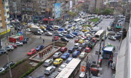 Persoanele care trăiesc lângă drumuri aglomerate, expuse la creşterea riscului de cancer pulmonar (studiu)