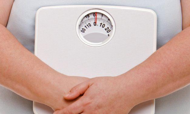 Obez până la 40 ani? Risc crescut pentru mai multe tipuri de cancer