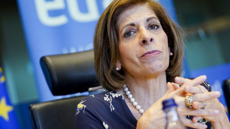 """Comisarul pentru sănătate dezvăluie """"Planul european de combatere a cancerului"""""""
