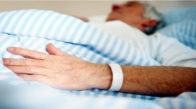 """Mărturia unui medic oncolog: """"Pacienții care au cancer vor fi victime colaterale. Nu îi mai putem opera, efectiv stau și mă uit la ei cum se umplu de metastaze"""""""