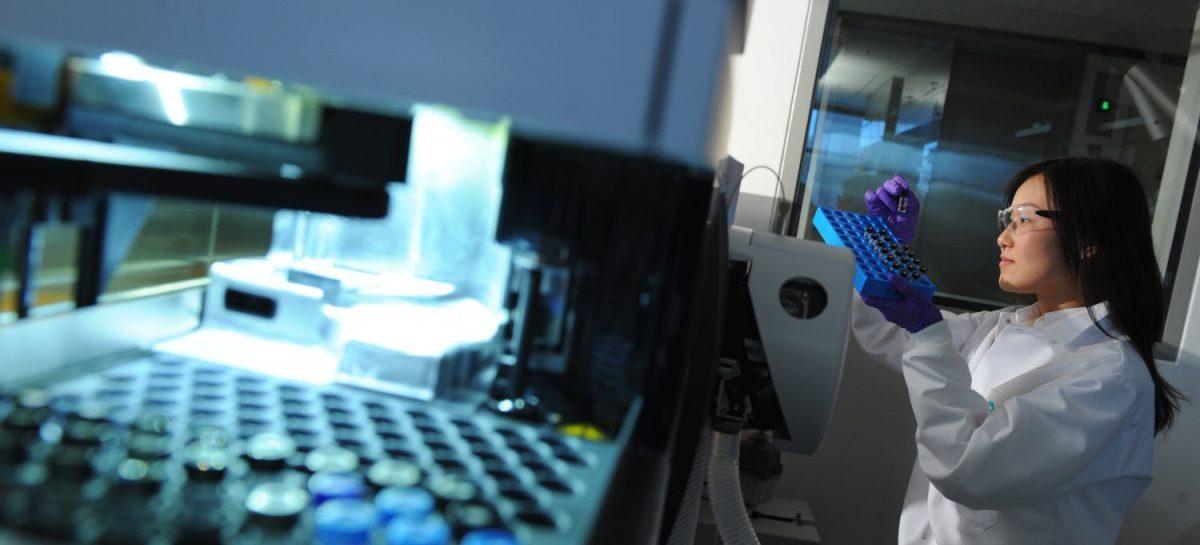 O nouă abordare promițătoare în combaterea cancerului: inhibarea unei enzime ce împiedică moartea celulelor tumorale