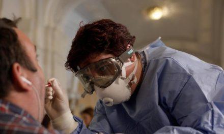 Crește numărul de teste, noi categorii vor fi testate pentru coronavirus: pacienții oncologici, cei de la hemodializă și îngrijitorii de la centrele de bătrâni