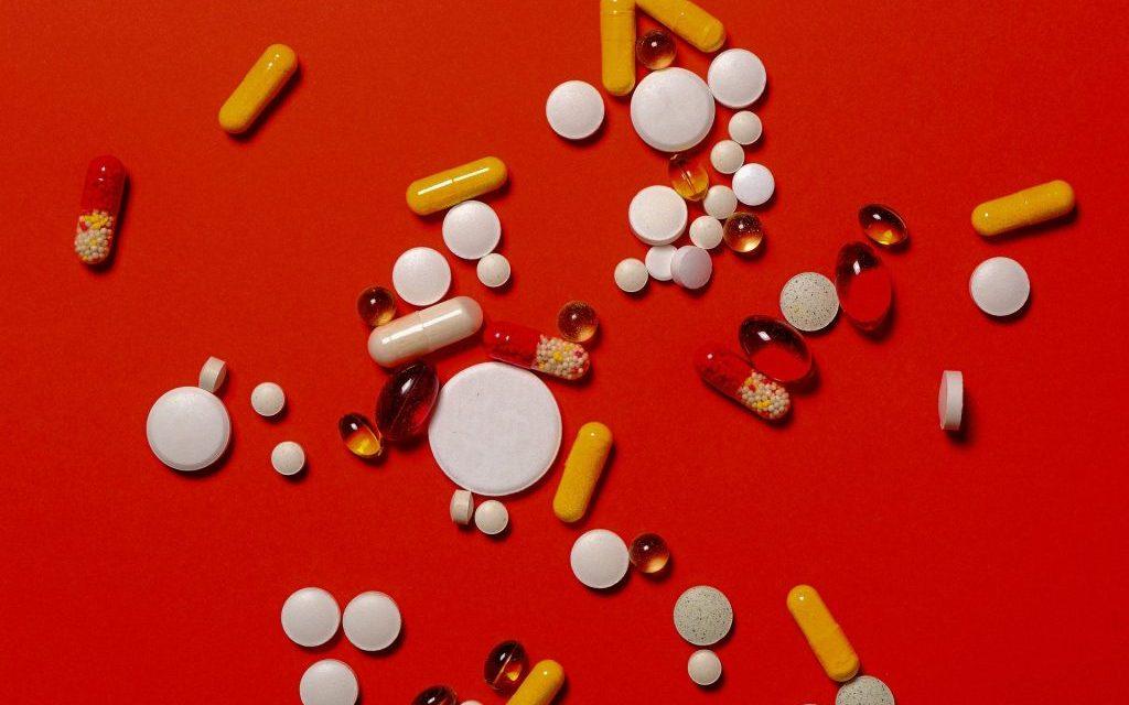 STUDIU. Cele mai agresive tipuri de cancer ar putea fi tratate prin post şi vitamina C