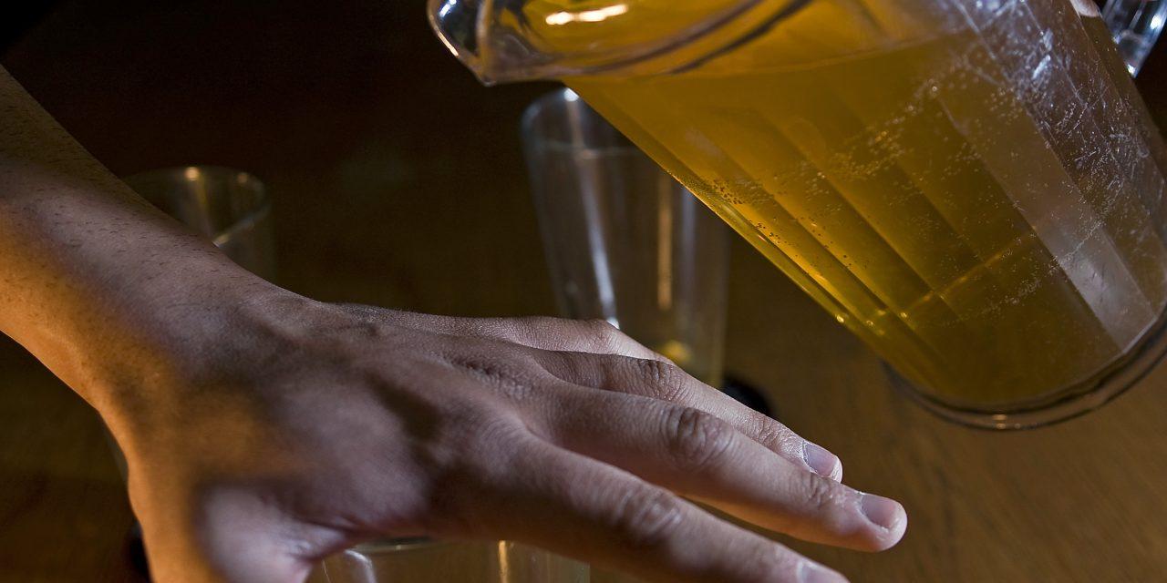 STUDIU. Un nou mecanism de reparare a ADN-ului ar putea explica legătura dintre consumul de alcool și riscul de cancer