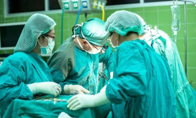 Dr. Cristian Gheorghe: Cancerul colorectal, de ce pacientul are nevoie de o echipă multidisciplinară și nu de un singur medic