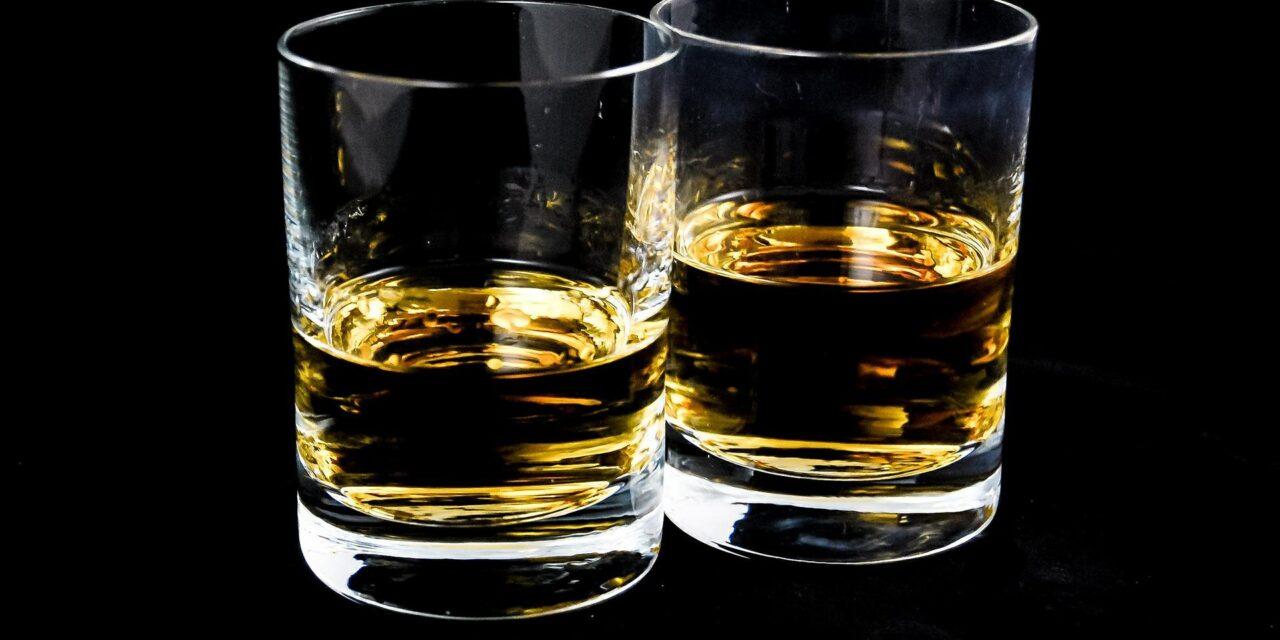 STUDIU: Un caz de cancer din 25 depistate anul trecut la nivel mondial are legătură cu consumul de alcool
