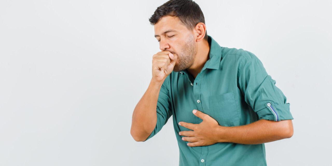 Tusea fumătorului: cum se manifestă și când poate semnala cancerul de plămâni?